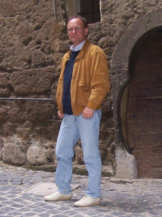ROBERTO VICHI